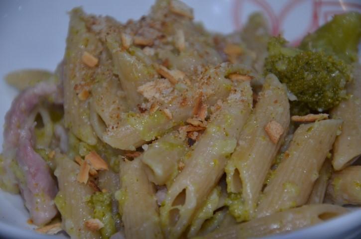 Pasta con i broccoli evidenza