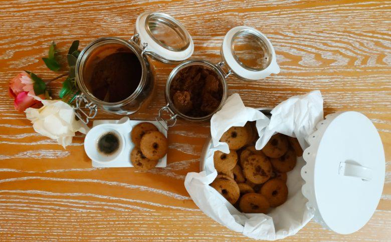 Biscotti vegani con farina integrale e grano saraceno