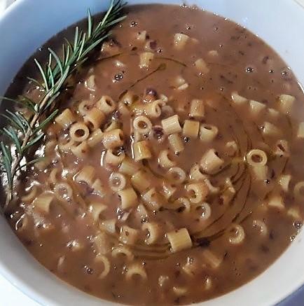 Zuppa di pasta lenticchie e fagioli