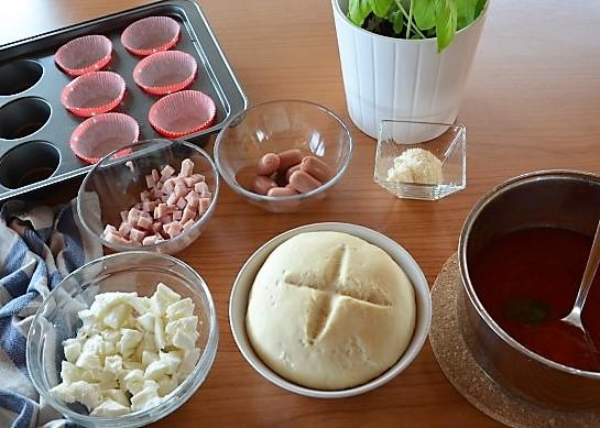 Muffin salati di pizza