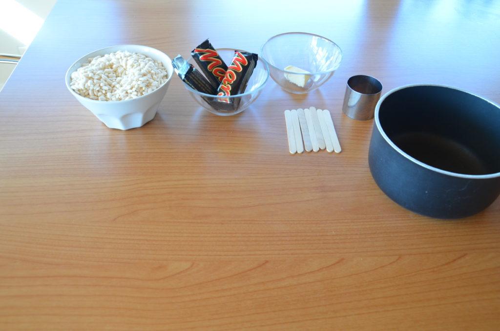 Lecca lecca di riso soffiato e mars